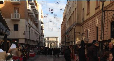 Benevento, non si accendono le luminarie sul Corso, Mastella revoca convenzione