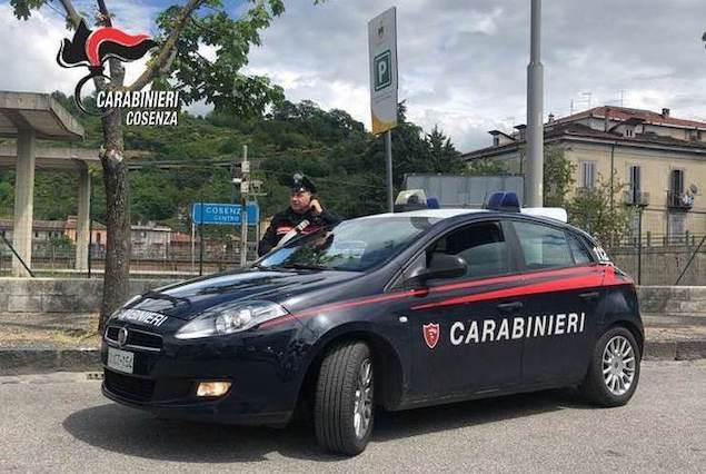 """Nuovo blitz nel """"Villaggio degli zingari"""" di Cosenza: arresti per furti anche in scuole e mense per i poveri"""