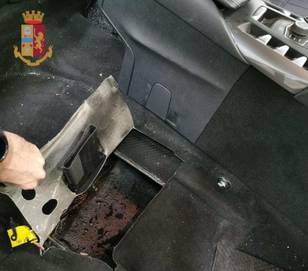 'Ndrangheta, sequestrate a Genova 3 auto della cosca Alvaro. Uno degli arrestati percepiva il reddito di cittadinanza
