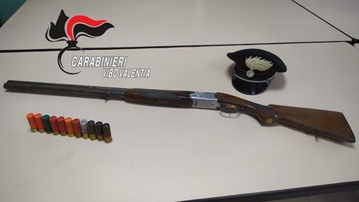 Fucile e munizioni rinvenute nel Vibonese, arrestate due persone