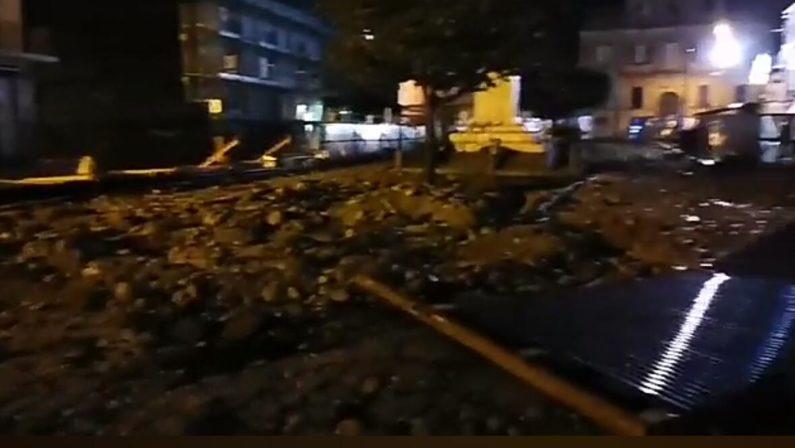Allerta meteo per domani, il sindaco di Tropea chiude le scuole, danni a un cantiere in centro FOTO