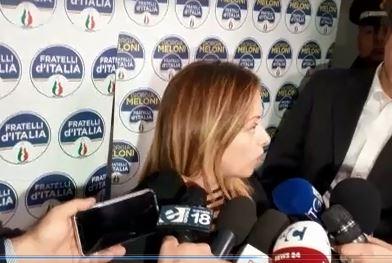 Elezioni regionali, Meloni a Cosenza passa la palla agli alleati: «Tocca a loro dare le risposte sul candidato»
