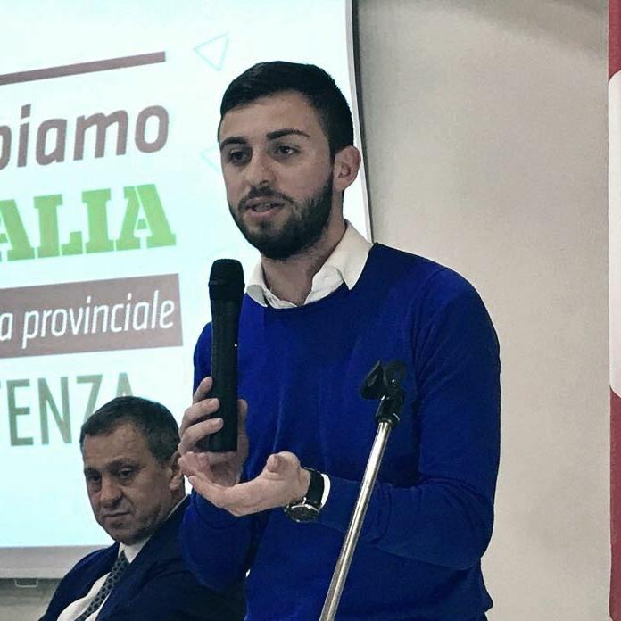 """""""Pestato per aver protestato contro i disservizi del traporto pubblico"""", solidarietà dei giovani di Sinistra"""