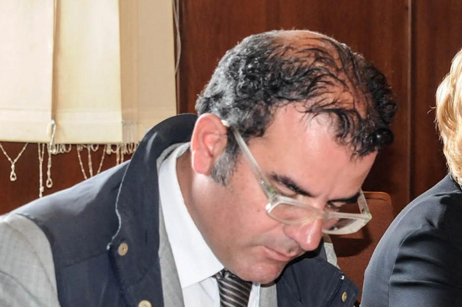 Revocati gli arresti domiciliari al comandante della polizia municipale di Vibo Valentia