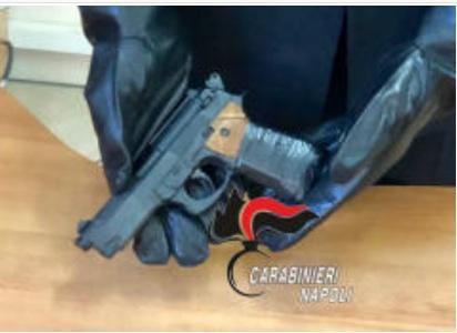 Secondigliano, denunciati tre minori per ricettazione di scooter e possesso di una pistola finta