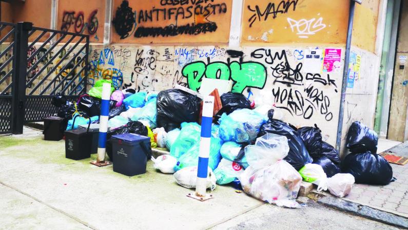 In Calabria è caos rifiuti, si va verso il commissariamento