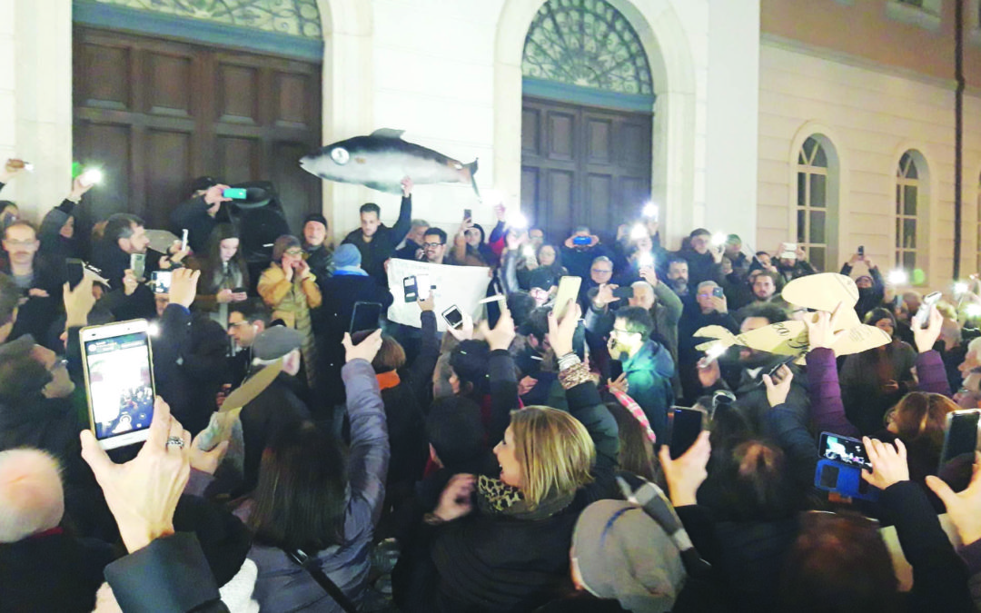 Le Sardine irpine in piazza sfidano la politica dell' odio