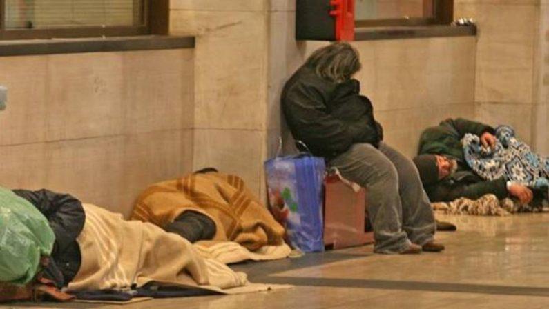 Freddo: a Napoli apertura notturna delle stazioni metro per i senzatetto