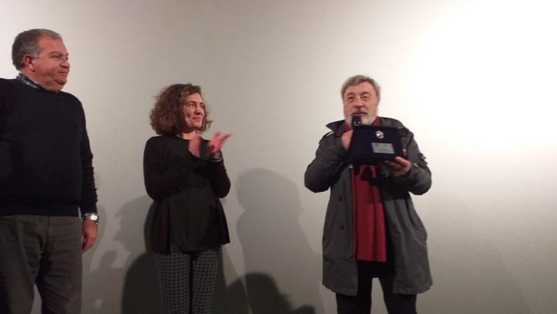 """VIDEO - Favino, Craxi e la sua Calabria: Gianni Amelio a Cosenza presenta il film """"Hammamet"""""""
