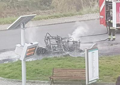Auto-in-fiamme-castrolibero-6