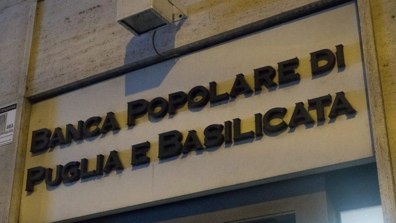 Sospette truffe per oltre un milione di euro a Matera, arrestato ex direttore di Banca