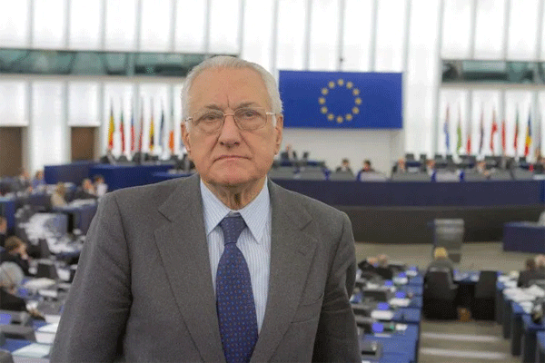 Gargani: superiamo il populismo con il ritorno alla vera politica