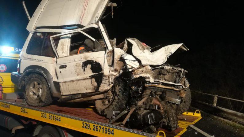 Tragedia nel Reggino: muore una donna di 22 anni in un incidente stradale a Melicucco FOTO