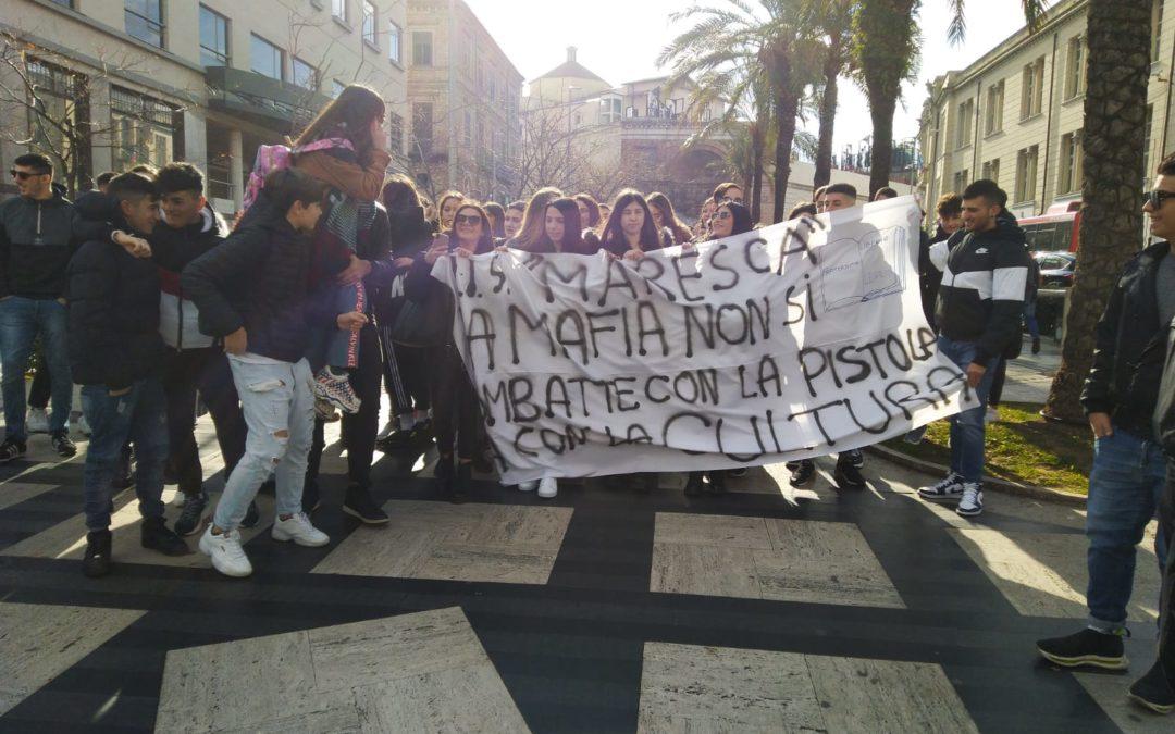 FOTO – A Catanzaro la manifestazione pro Gratteri