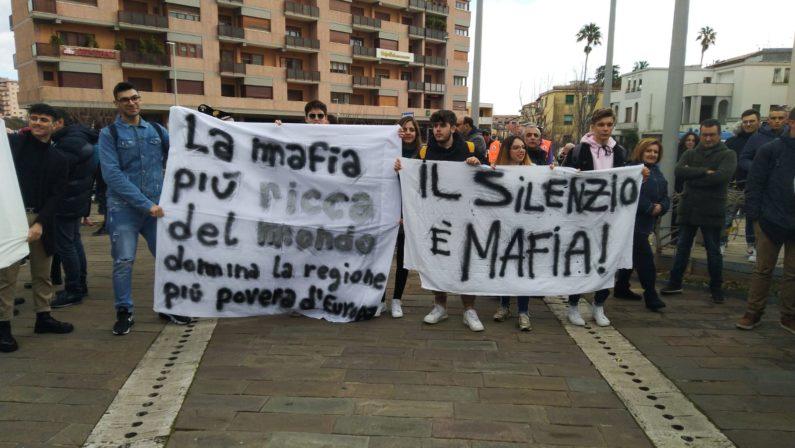 In migliaia a Catanzaro per la manifestazione a sostegno di Gratteri FOTO