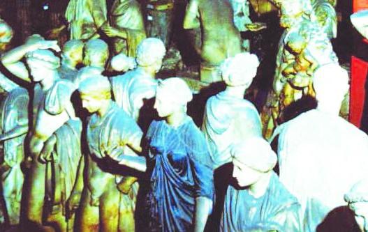 Il tesoro dei Torlonia, a rischio anche i veri gioielli di famiglia che potrebbero finire all'estero