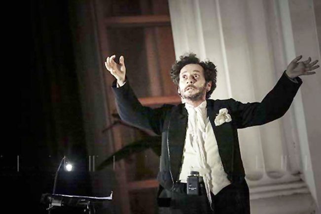 """Roberto Azzurro porta in scena """"Musica, Maestro!"""""""