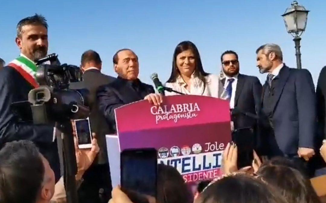 Silvio Berlusconi e Jole Santelli ieri a Tropea