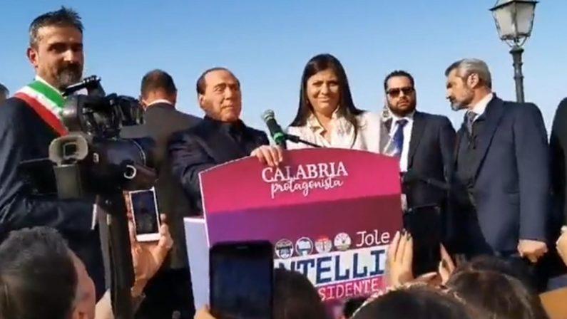 Santelli: «La battuta di Berlusconi? Rido di gusto»