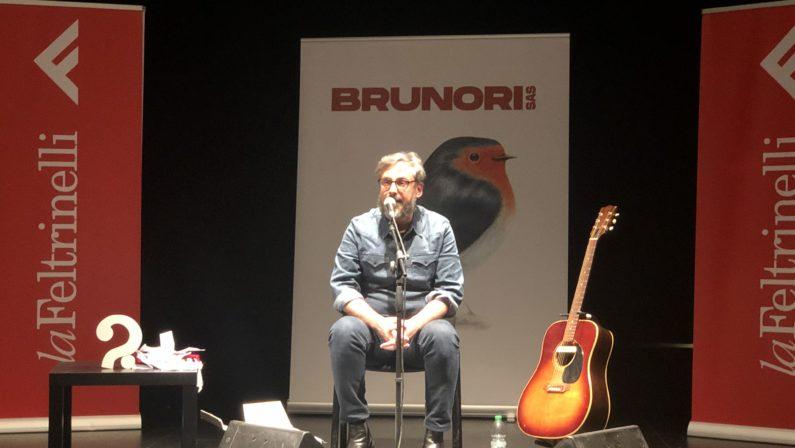 """L'Unical """"cinguetta"""" e parla con Dario «La mia benedizione alla Calabria, ce n'è bisogno» – VIDEO"""