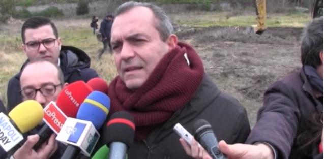 Bagnoli: de Magistris, no chiacchiere ma fatti! Soddisfatti anche i sindacati
