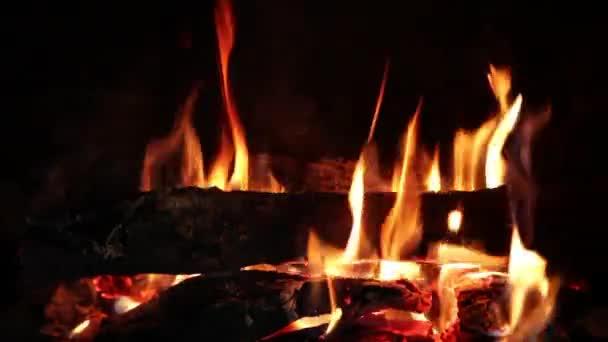 Sala Consilina, donna muore avvolta dalle fiamme del camino