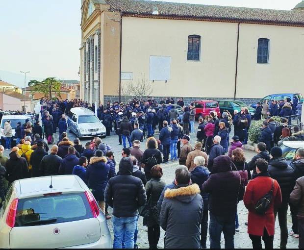 Tifo folle, funerali senza sciarpe per Fabio Tucciariello