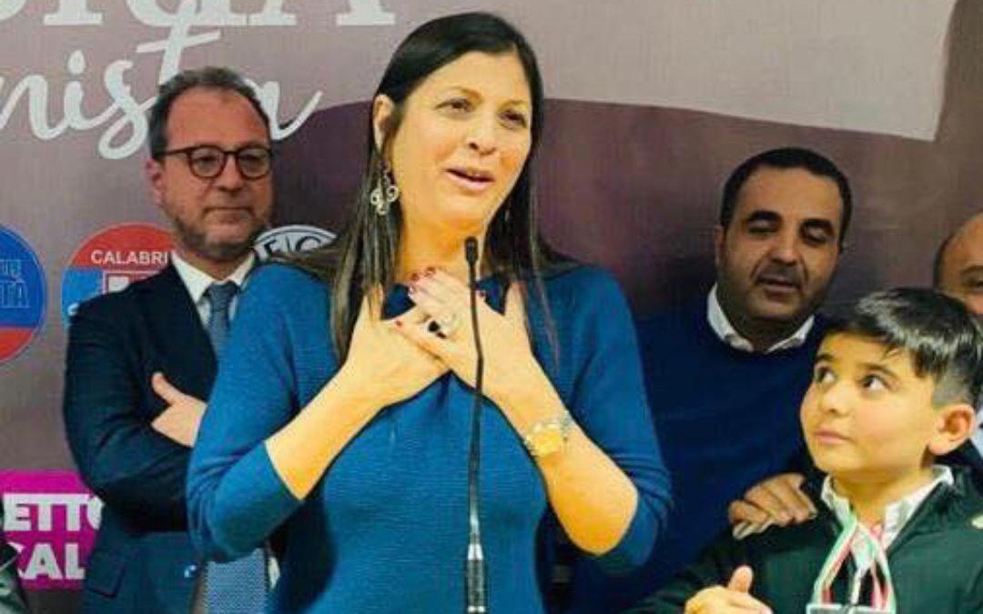 Jole Santelli festeggia la vittoria alle elezioni