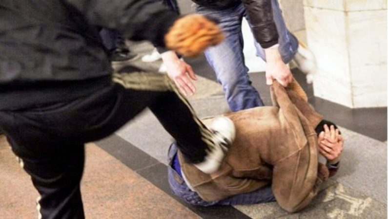 Forio di Ischia: pestò a sangue un coetaneo, Carabinieri arrestano 21enne
