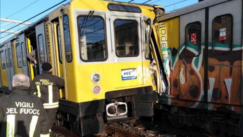 Scontro metro Napoli: 4 persone in ospedale e 12 curati sul posto