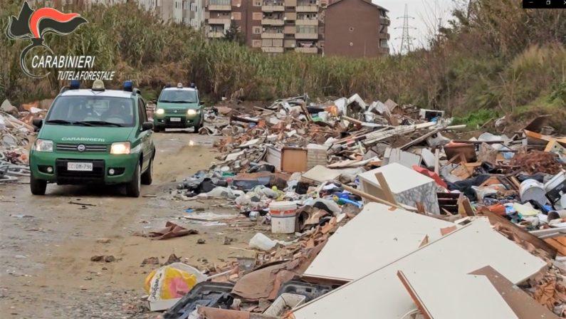 Una maxi discarica abusiva lungo il Crati, sei denunce per la gestione illecita dei rifiuti - VIDEO