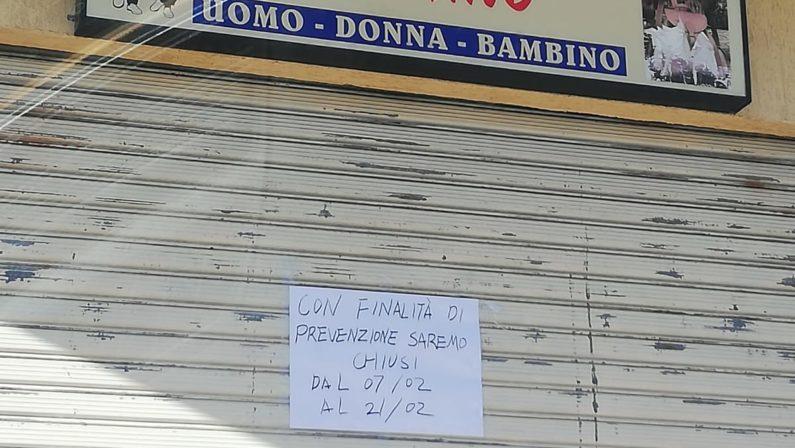 """A Cariati un negozio cinese chiude per """"prevenzione"""". Il vice sindaco: «Nessun allarmismo»"""