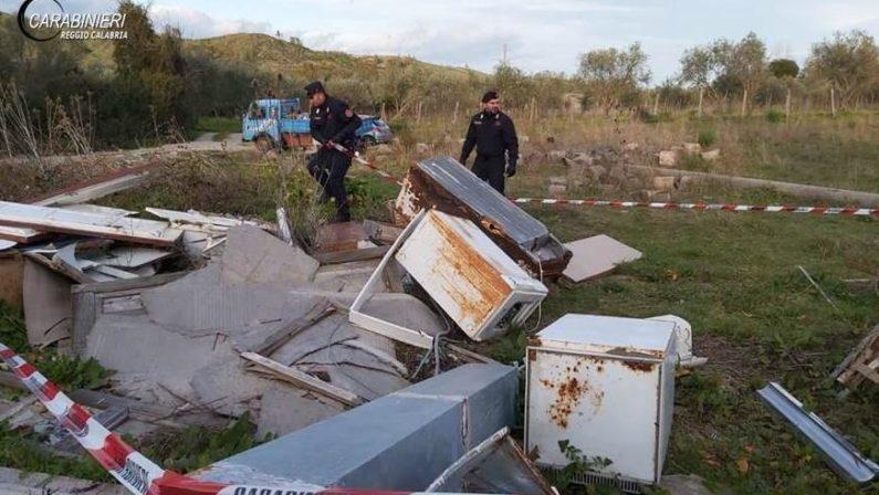 Ambiente, discarica di rifiuti speciali e pericolosi nel Reggino: due denunce