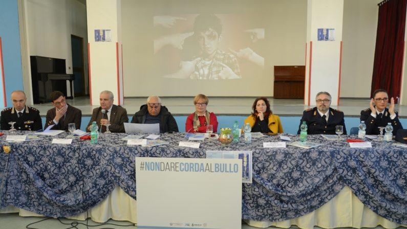 """@scuolasenzabulli, la D'Amelio all'Istituto Comprensivo Statale """"Iannaccone"""" di Lioni"""