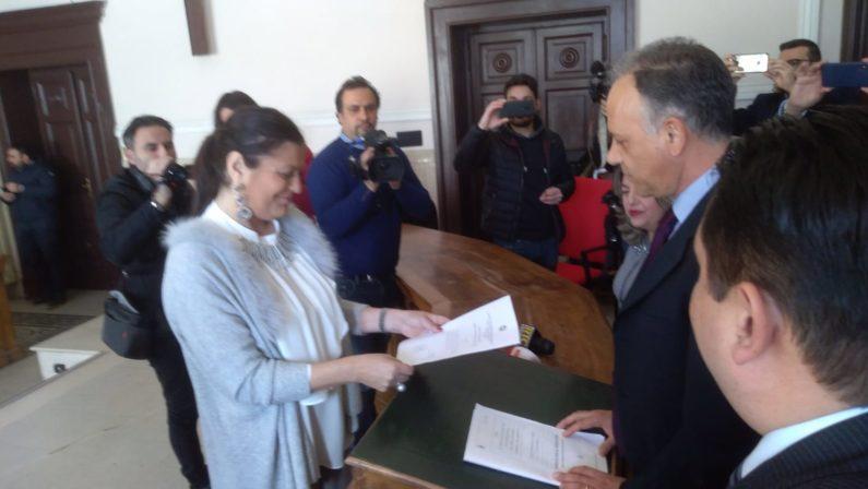 VIDEO - La cerimonia di proclamazione del nuovo presidente della Giunta Regionale Calabrese, Jole Santelli