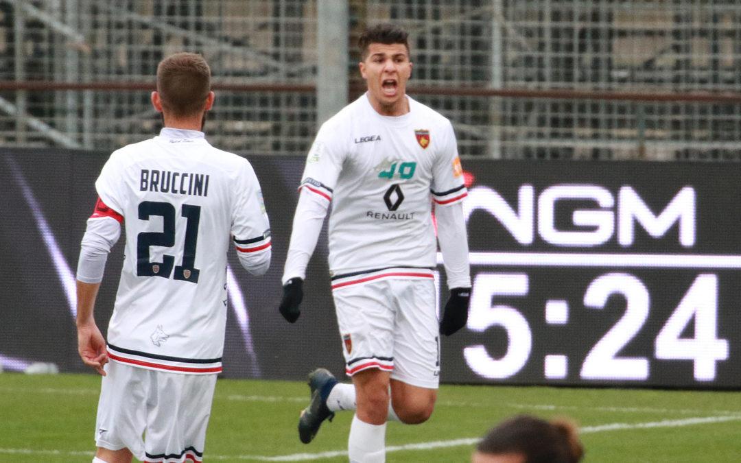 L'esultanza di Machach dopo il gol