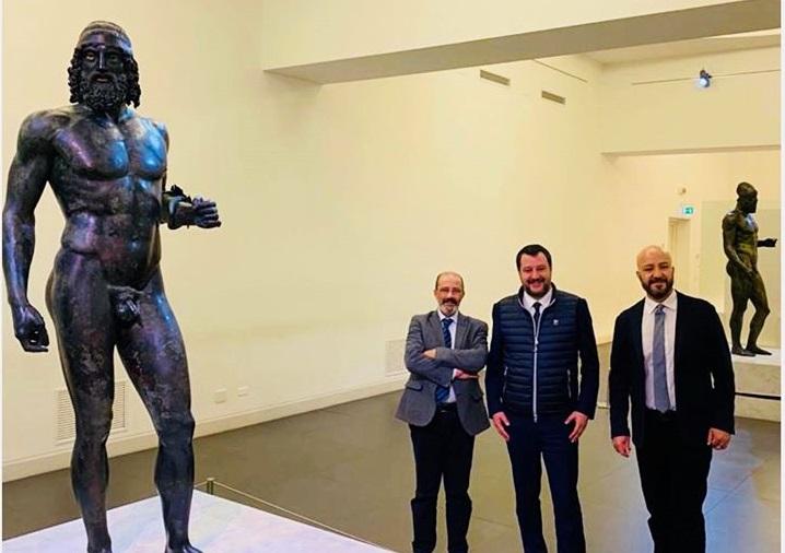 Salvini a Reggio Calabria, elogio ai Bronzi poi critica i «magistrati che vogliono mandarmi a processo» - VIDEO