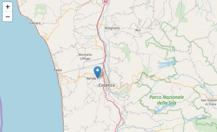 Forte scossa di terremoto registrata nel cosentino La gente si riversa in strada nell'hinterland cosentino