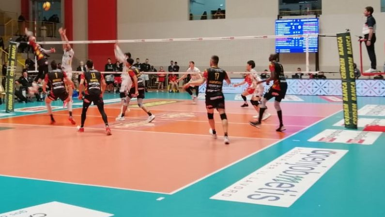 Volley, campionati sospesi a livello nazionale per l'emergenza Coronavirus. Ferma anche la Tonno Callipo