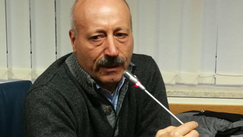 Il sindaco di Cersosimo vede nero sullo spopolamento: «Serve innestare nuove famiglie»