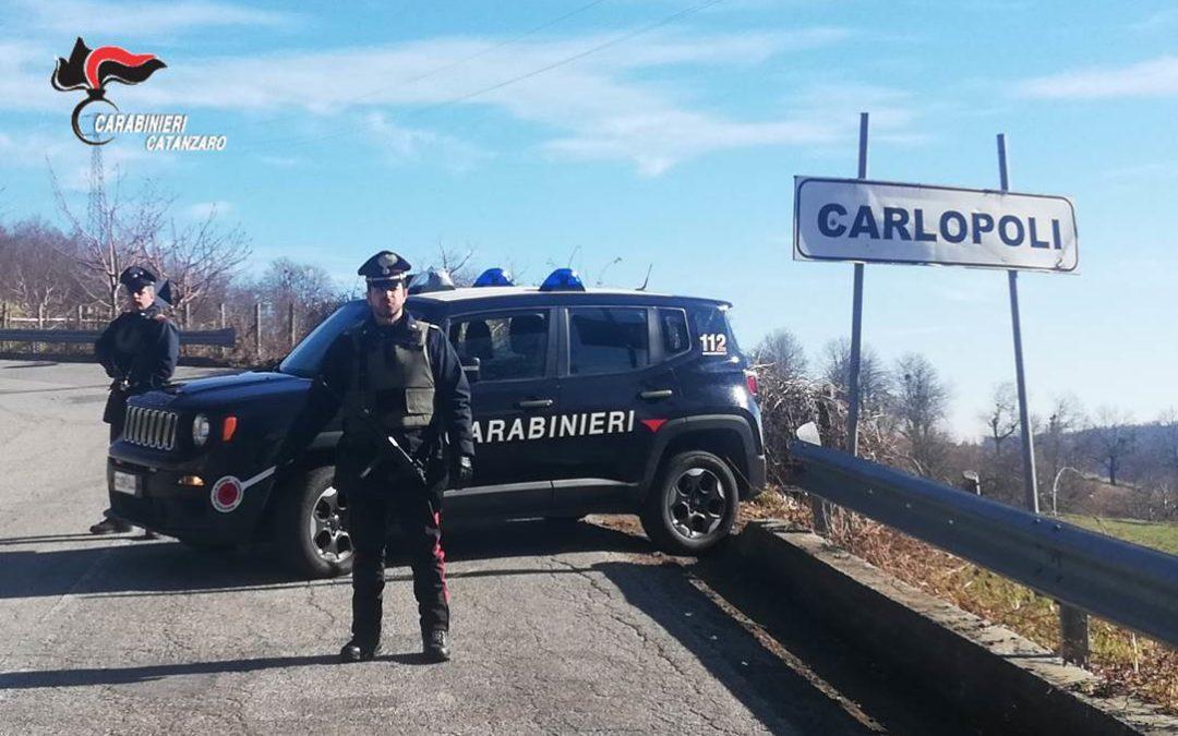 Finto fidanzamento per rubare il patrimonio a un 82enne, arrestata donna di 31 anni nel Catanzarese