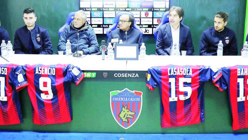 Calcio, il presidente Guarascio: «Difendiamo il nostro Cosenza»