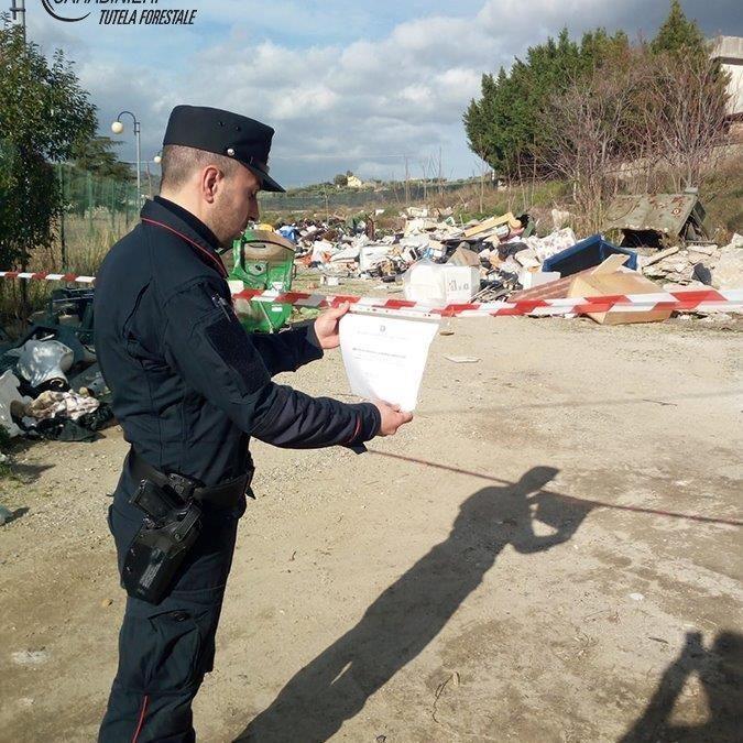Il sequestro dell'area dell'autoparco comunale di Luzzi adibita però a discarica abusiva