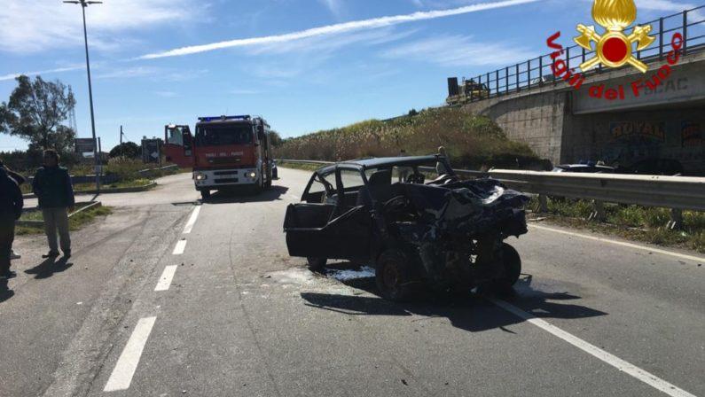 Incidente stradale a Crotone, Suv contro Panda: 3 feriti, uno è grave