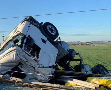 Incidente stradale in Puglia, 3 morti. Uno è del Cosentino
