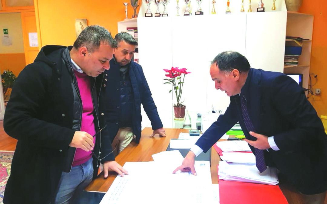 L'incontro tra il dirigente Raffaele Suppa, il presidente Salvatore Solano e il suo vice Domenico Anello