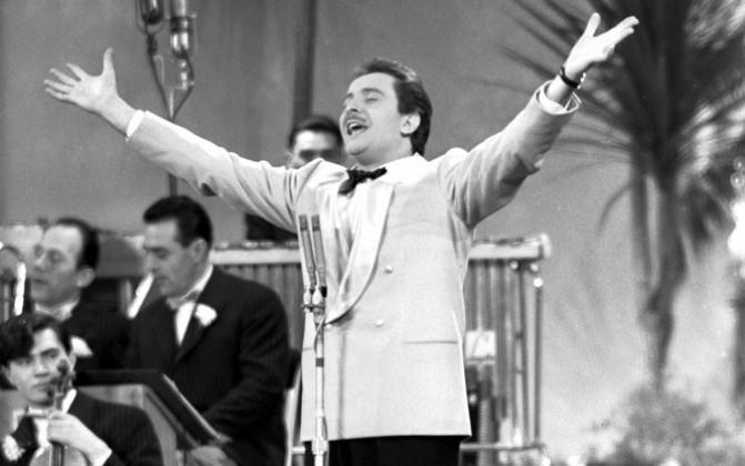 Il Festival di Sanremo taglia il traguardo delle 70 edizioni: foto corale e cantata dell'Italia