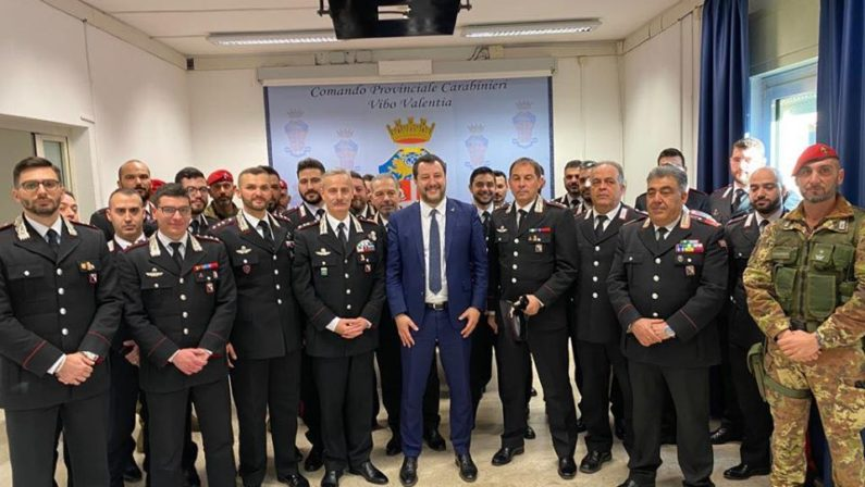Salvini a Vibo, «Grazie a Gratteri e forze dell'ordine». Sulla Regione insiste per l'assessorato agricoltura e turismo. Poi tappa a Reggio