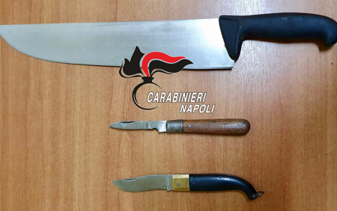 In giro con tre coltelli, carabinieri denunciano 38enne