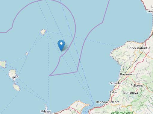 Terremoto all'alba tra la Calabria e le isole Eolie: magnitudo 3.7